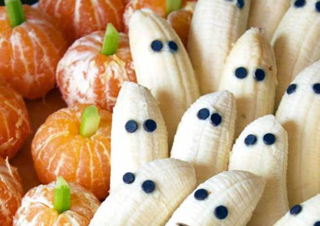banana-ghosts-tangerine-pumpkins-halloween-800.jpg